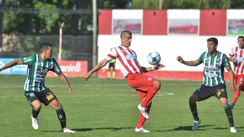 Independiente rescató un empate en La Chacra ante Villa Mitre