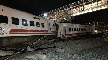 descarrilo un tren: hubo 22 muertos y 171 heridos