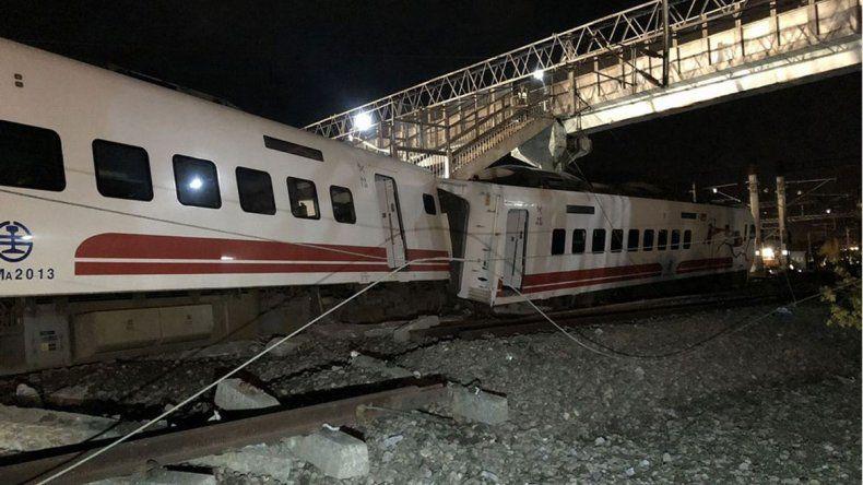 Descarriló un tren: hubo 22 muertos y 171 heridos