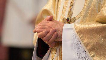 la iglesia chilena debe indemnizar a  victimas de abusos