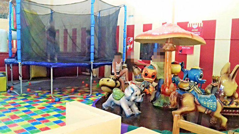 Un nene fue a festejar a un pelotero y se lesionó en la calesita