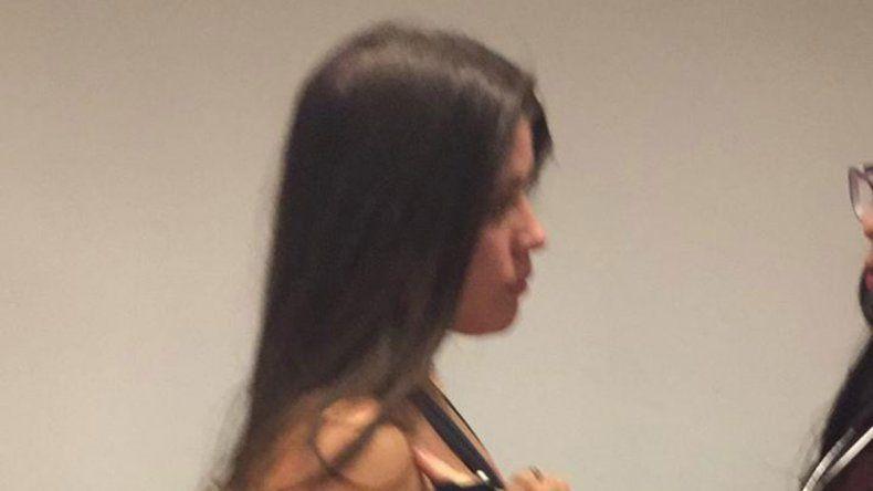 Fue agredida al enfrentar a su estafador en un bar