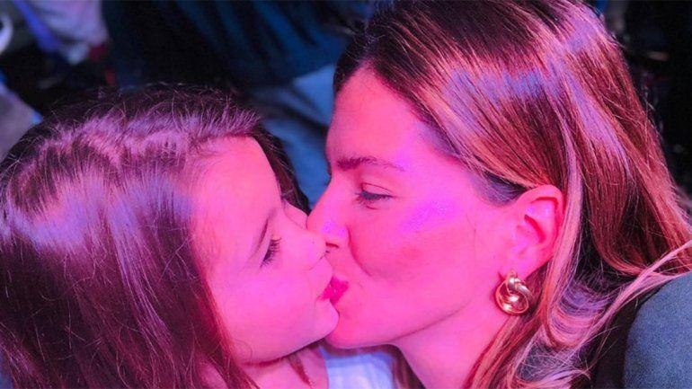 La respuesta irónica de la China Suárez a quienes la criticaron por besar a su hija