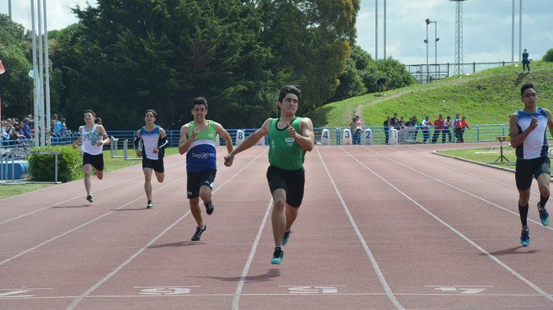 Reinholds logró el oro en los 300 metros y fue plata en los 150.