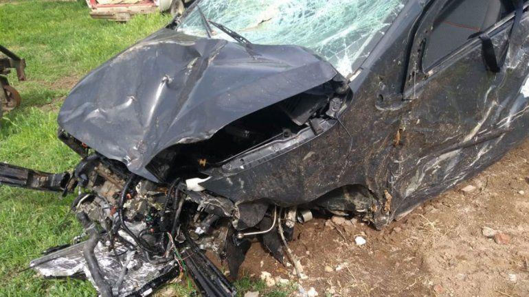 Se salvaron de milagro: dos menores chocaron contra un árbol y sufrieron heridas leves