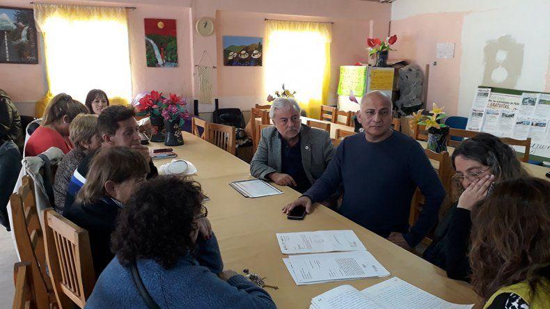 Abuelos piden más espacio en el salón de San Lorenzo