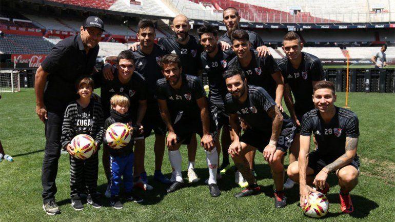 La visita sorpresa de los hijos de Shakira y Piqué al plantel de River