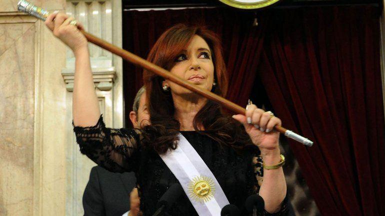 Pidieron que Pallarols declare por el bastón que tenía CFK