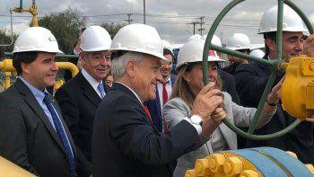 Piñera abrió la llave para que el gas neuquino llegue a Chile