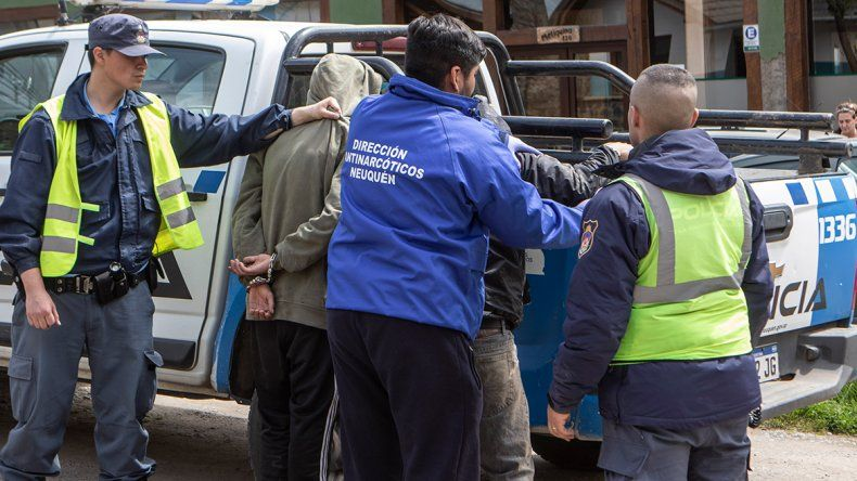 De película: choque, persecución en la Ruta 40 y detenidos con droga en San Martín