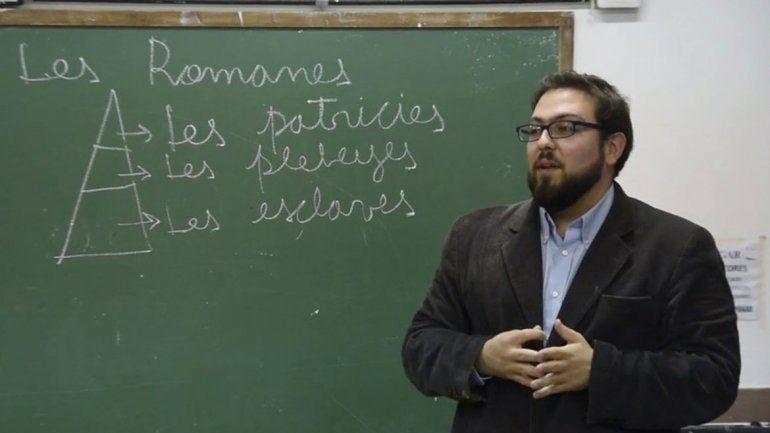Se pueden ir a ver las clases  del profesor inclusivo