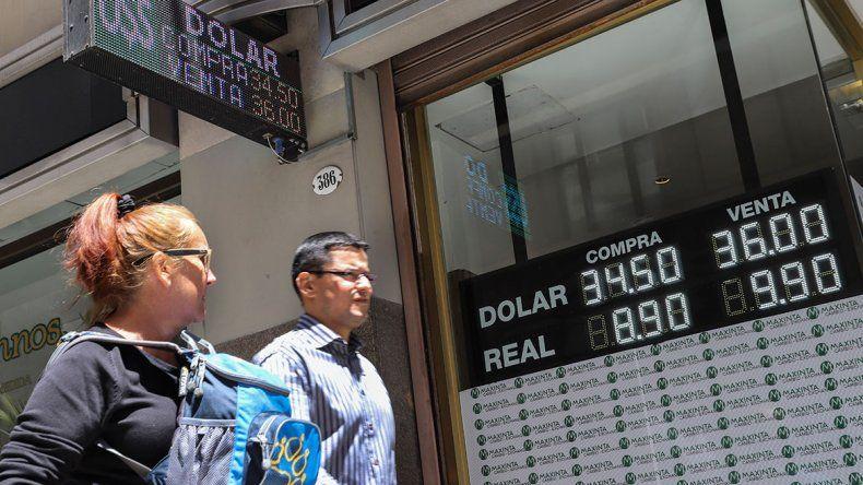 Dólar: inició el mes otra vez en baja  y cerró a  36,78 pesos