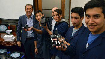 Unos 14 mil alumnos de las técnicas manejarán drones
