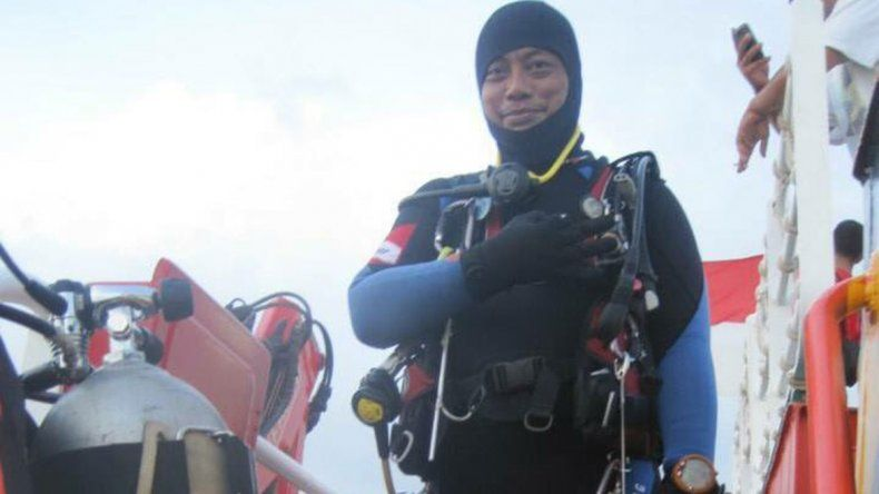 Caída del avión: se ahogó cuando buscaba cuerpos