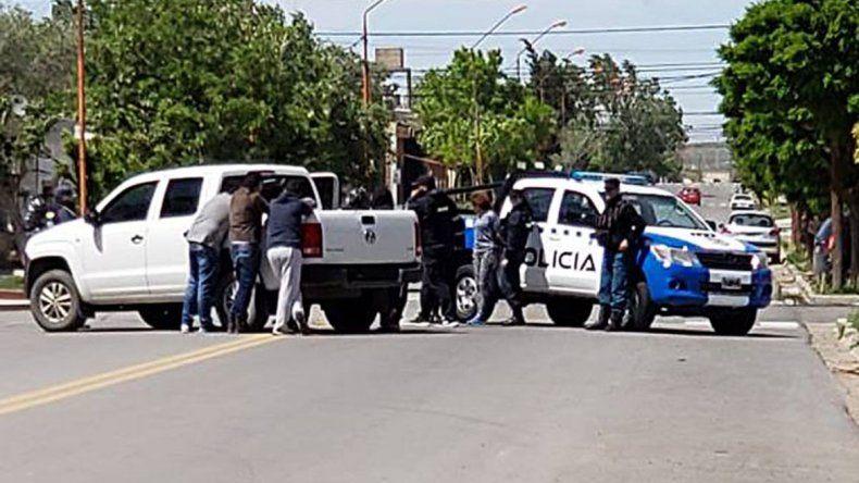 Fueron cercadas y detenidas con $50 mil, armas y droga