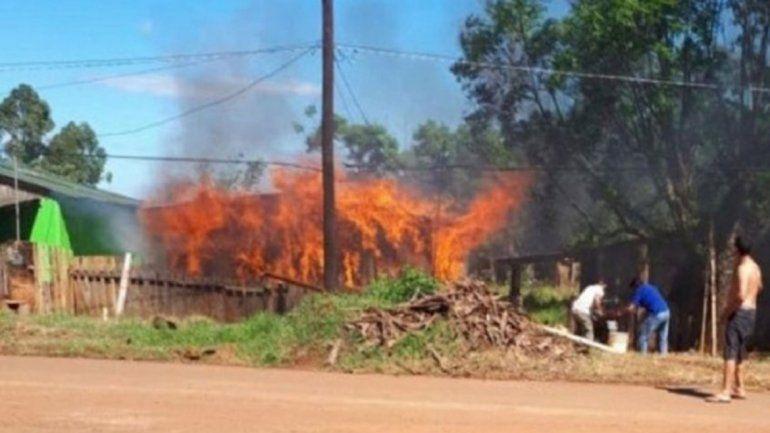 Discutieron por el Boca – River y le prendió fuego la casa