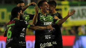 el halcon es el lider virtual  de la superliga