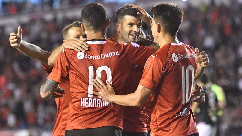 Independiente goleo 4 a 0 San Martín de Tucumán