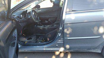 cutral co: robaron un auto y le sacaron hasta los asientos