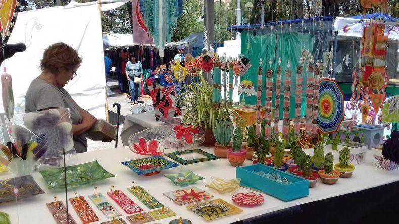 Comienza la tradicional Feria de Artesanos en la Avenida Argentina