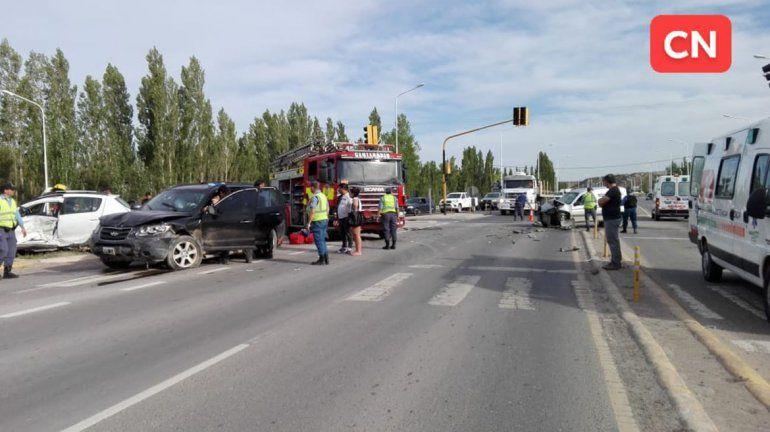 Cuatro heridos y un caos de tránsito por un choque múltiple en la Ruta 7