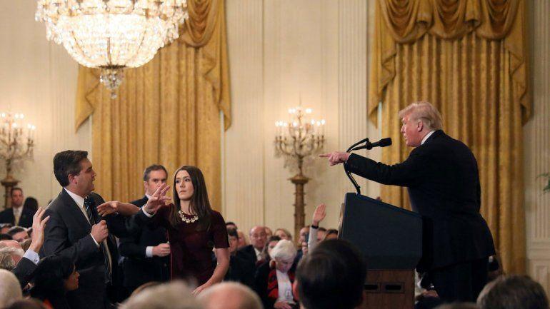 Trump echó al periodista con el que discutió feo