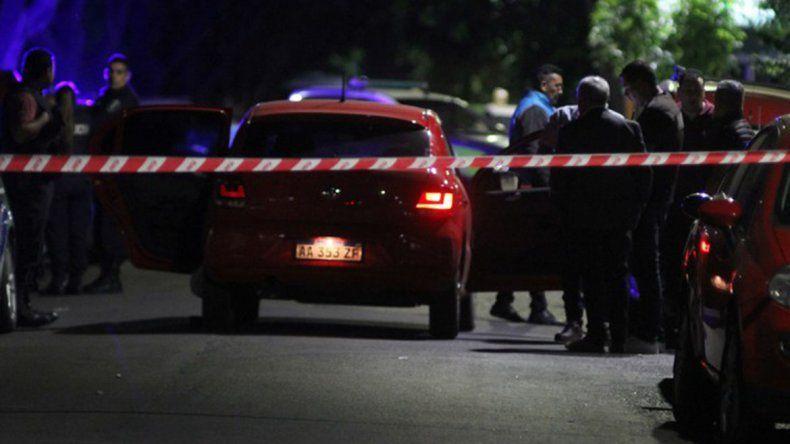 Dos policías aparecen muertos y no descartan un drama pasional
