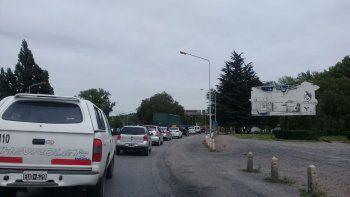 caos vehicular en los puentes por obras de asfaltado