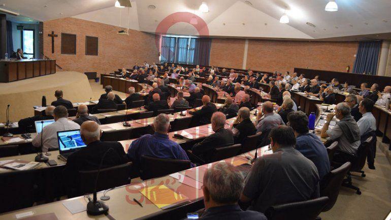 Obispos aceptaron el reemplazo gradual de los aportes del Estado