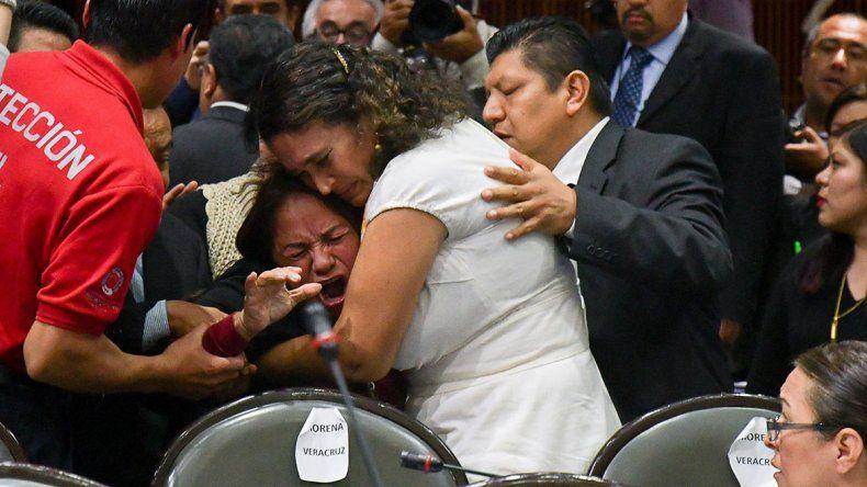 Mataron a mi hija, gritó una diputada mexicana en plena sesión