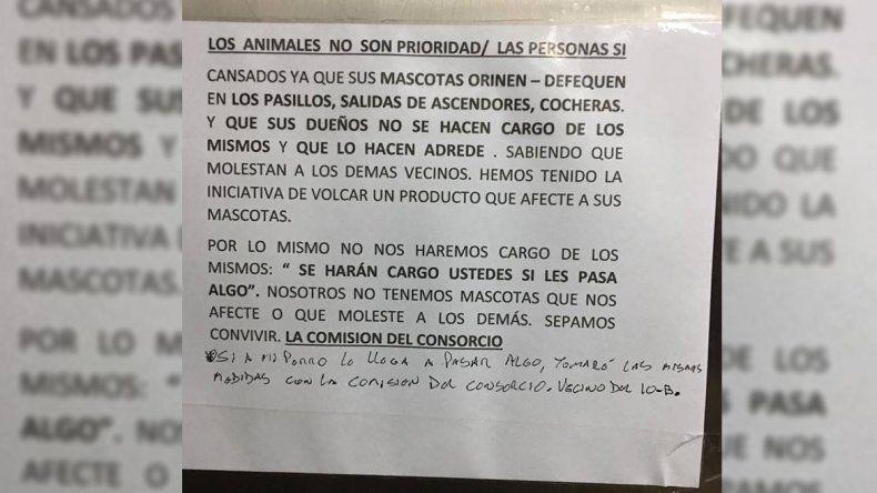 Escándalo: denuncian que la administración de un edificio quiere envenenar a los perros de los vecinos