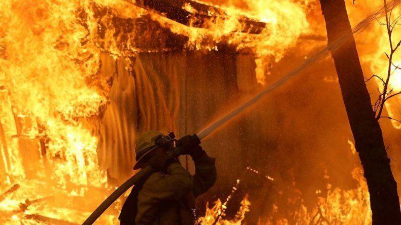 Al menos 25 muertos por los incendios en California