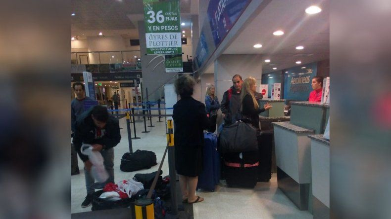Llegaron a Neuquén y se encontraron con las valijas violentadas