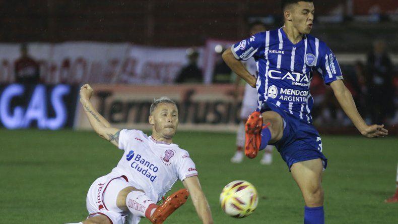 Acechando a Racing: el Globo ganó y Defensa perdió terreno