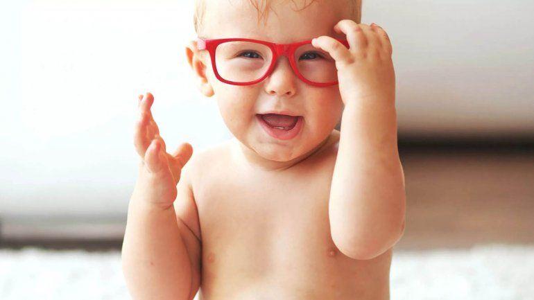 Los nacidos en verano tienen más chances de ser miopes