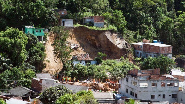 14 muertos por el desprendimiento de una piedra