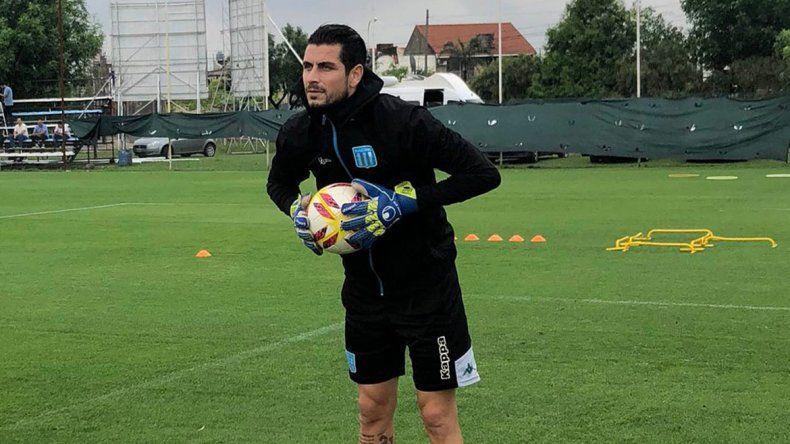 Arias volvió a entrenar con pelota y sin dolor