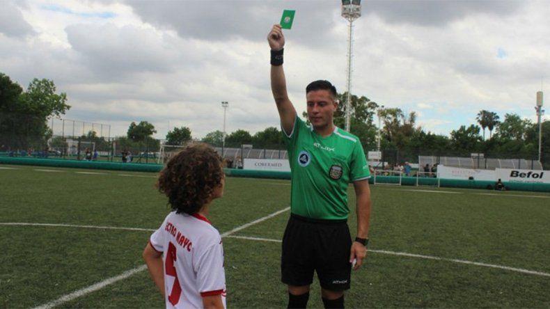 La AFA sacó por primera vez la tarjeta verde en un partido oficial