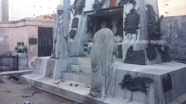 Una herida en atentado a la tumba de Ramón Falcón