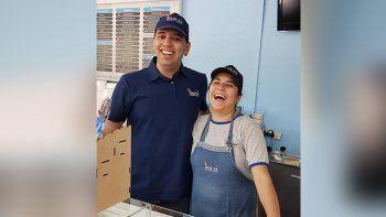 el milagro de lautaro: de luchar por su vida a trabajar en una heladeria de plottier