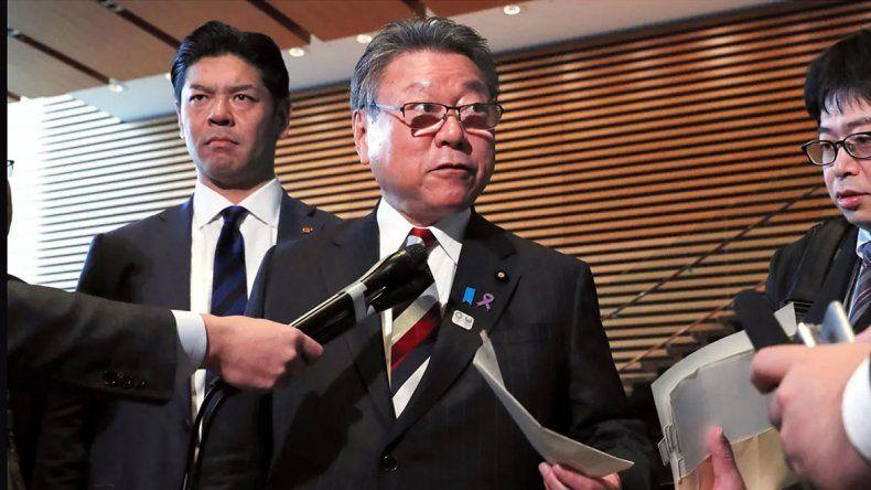 Ministro japonés quedó en orsái