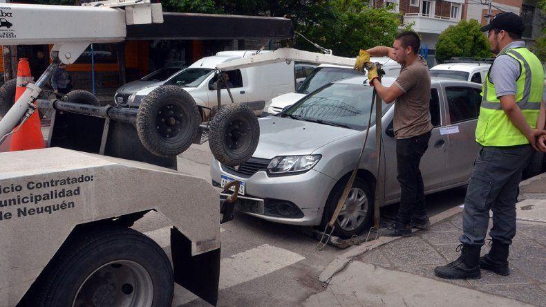 Tres mil multas por mes por mal estacionamiento