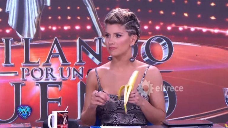 Laurita volvió a ningunear a Mica: peló y comió una banana en vivo