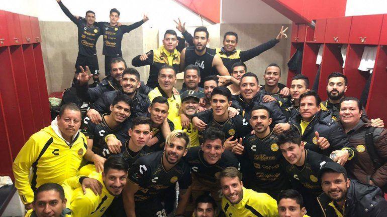 El Dorados de Maradona clasificó a semifinales y hubo delirio en el vestuario