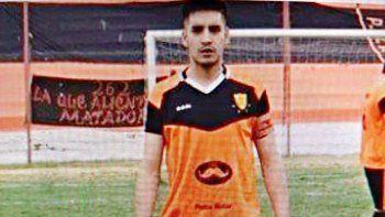se entrego un adolescente de 15 anos por el crimen del futbolista de petrolero argentino