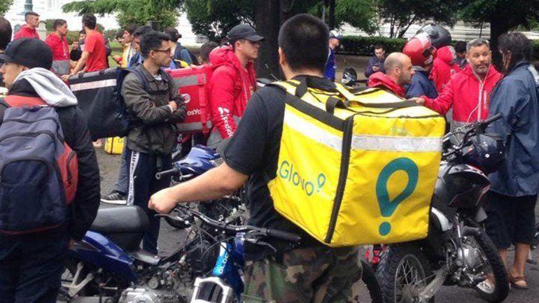 Tras el asalto al neuquino en La Plata, sus compañeros impulsan una colecta
