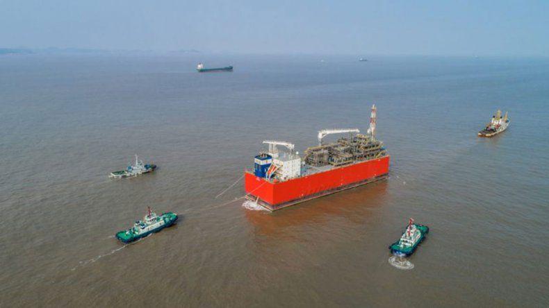 Paso clave: el gas de vaca muerta podrá salir por barco