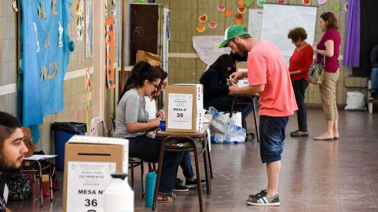 Más de 100 mil electores participaron en las internas del MPN: comenzó el escrutinio