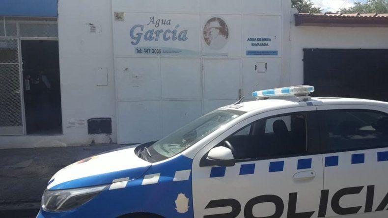 Barreteros robaron 16 mil pesos de  una embotelladora