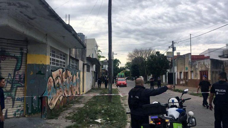 Tolosa: mató a su hijastro, hirió a su pareja y se atrincheró